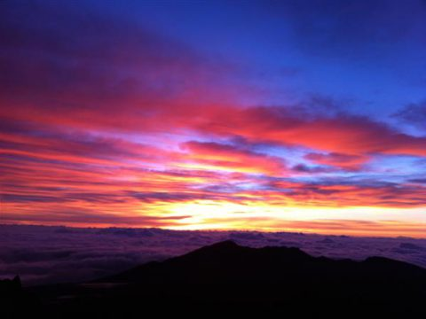 spectacular-sunrise-top-haleakala-volcano
